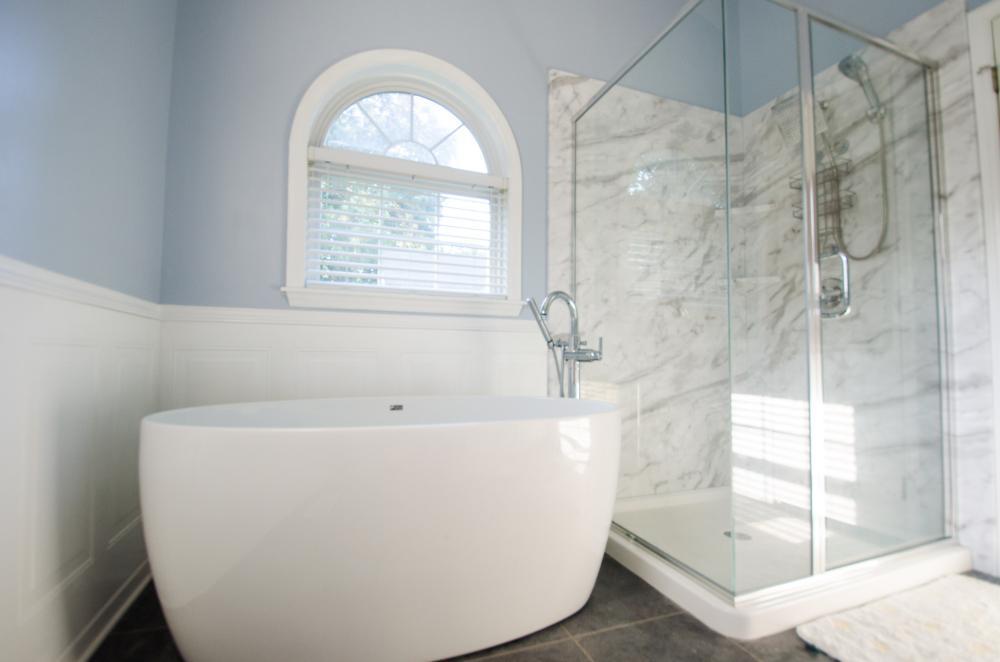 Complete Bathroom Remodel - Re-Bath Bathroom Remodel - Rebath Remodel - Myrtle Beach Bathroom Remodeler - Walk-in Shower - Durabath wall surround - Half bench shower - ada compliant bathroom - master bathroom remodel - natural stone shower - natural stone remodel - natural stone bathroom - stall shower remodel - tub to shower conversion - tub to shower remodel - freestanding tub -