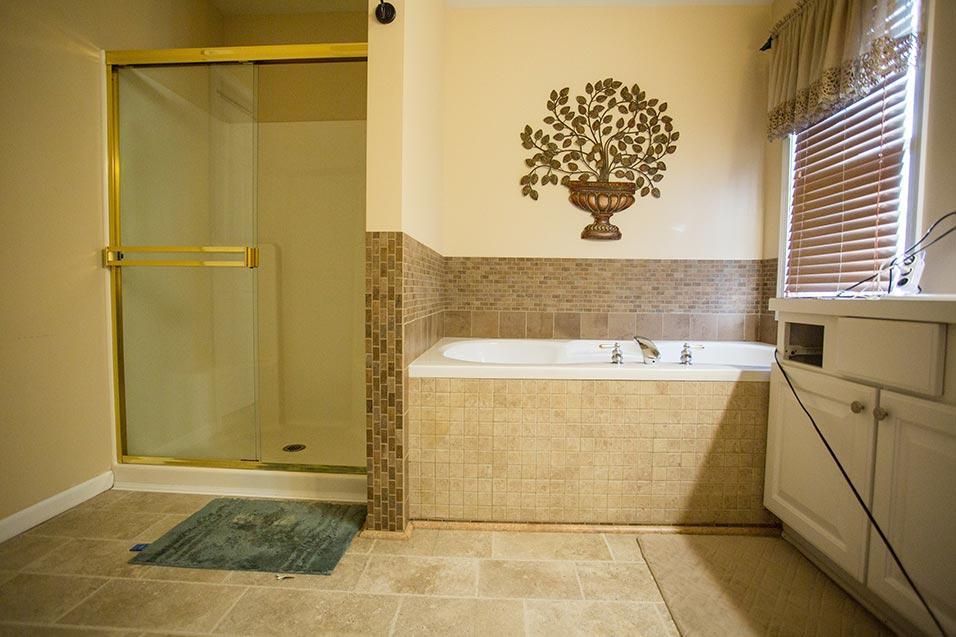 Before Re-Bath  Houston, TX renovation