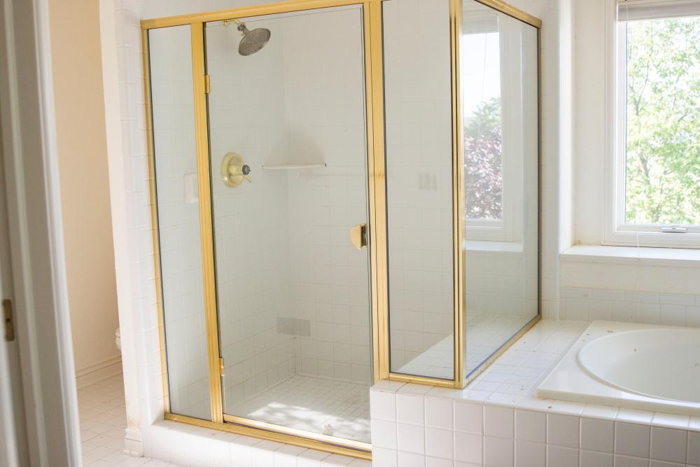Before Re-Bath  Grand Rapids, MI renovation