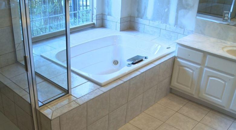 Before Re-Bath  Dallas, TX renovation